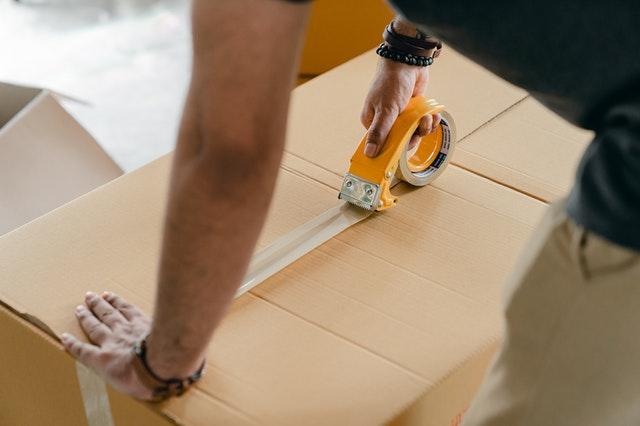 Jak wysłać paczkę za granicę